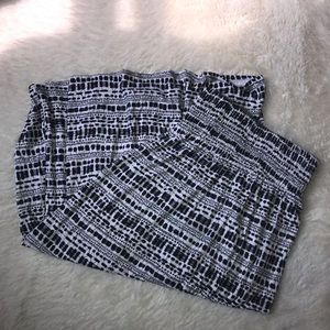 Dress barn black/white print skirt